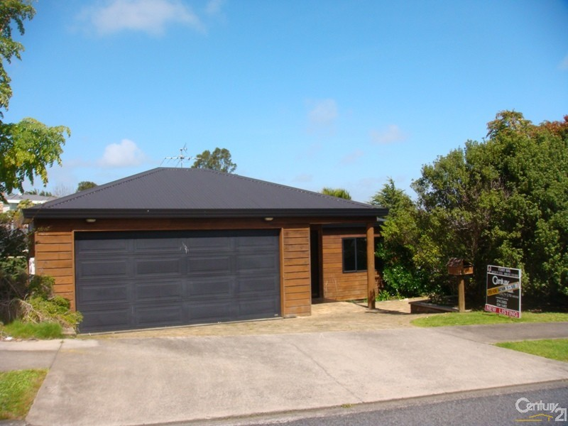 14 McCahill Views, Botany Downs - House for Sale in Botany Downs