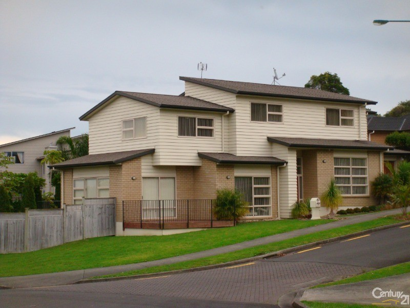 House for Sale in Flat Bush Auckland 2013
