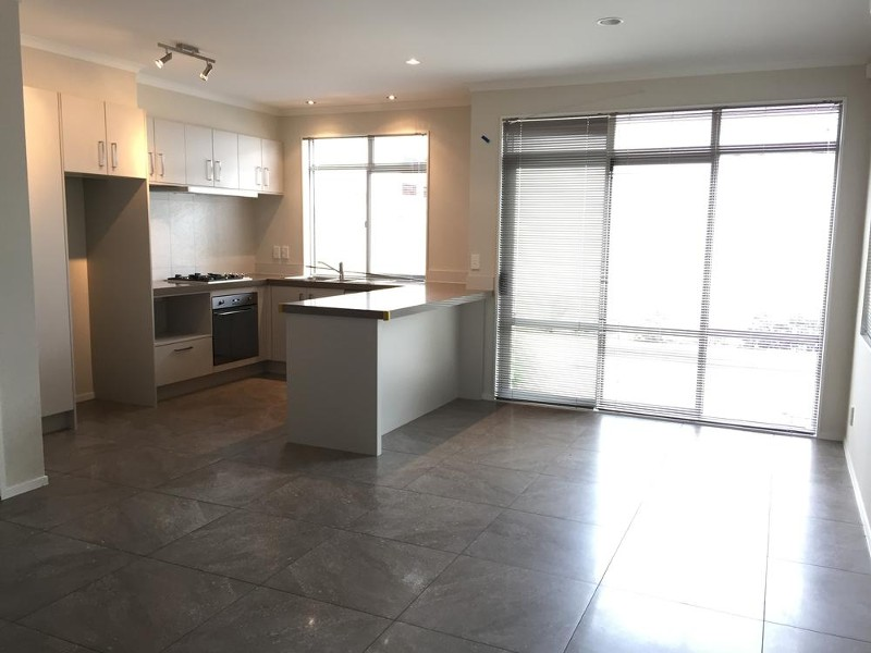 5 Sycamore Street, Flat Bush - House for Rent in Flat Bush