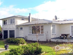 CENTURY 21 By The Lake Realty (Manawatu) Property of the week