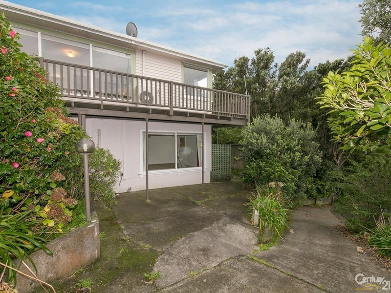 6 Howard Road, Eastbourne - House for Sale in Eastbourne