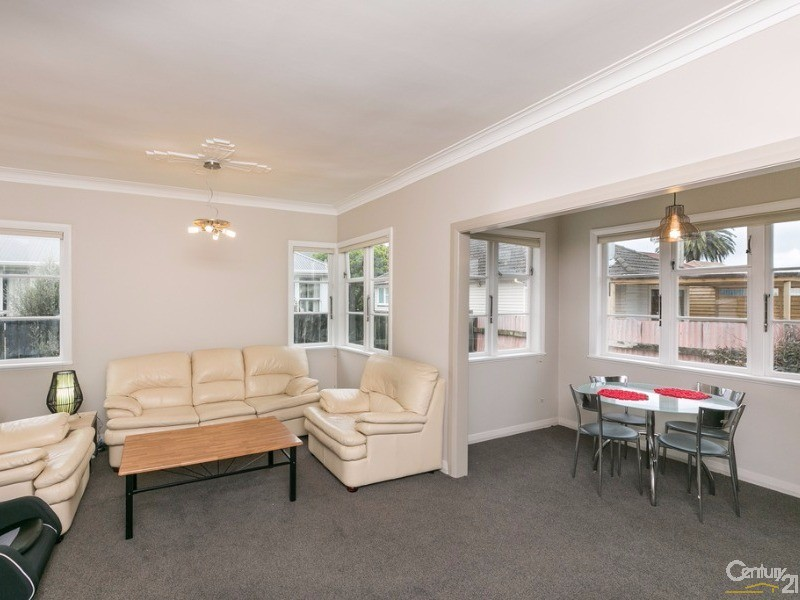 202A Oxford Terrace , Avalon - House for Sale in Avalon