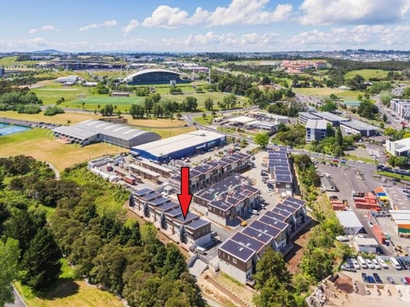 E2 / 18 Oteha Valley Road Extension, Albany - Unit for Sale in Albany