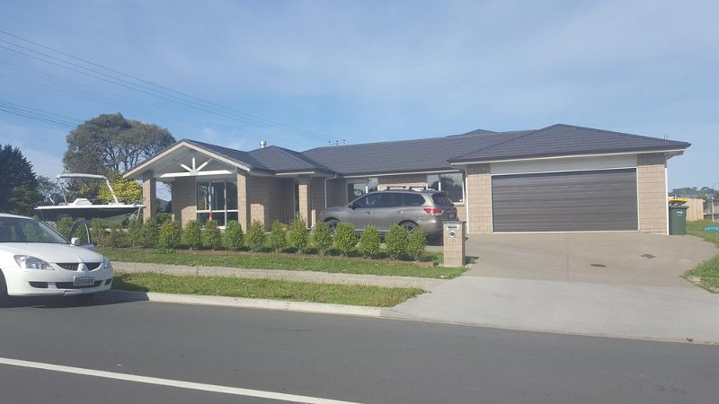 124 Puhutukawa Parade, Riverhead - House for Rent in Riverhead
